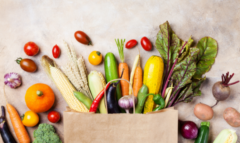 Lower bone mineral density among vegetarians: Dietary composition or body size?